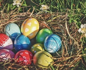 8-Easter-traditions-from-around-the-world_blog-hero-low